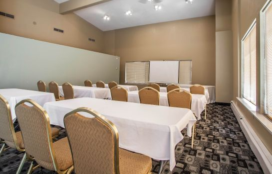 Sala konferencyjna Rodeway Inn and Suites Milwaukee Airport