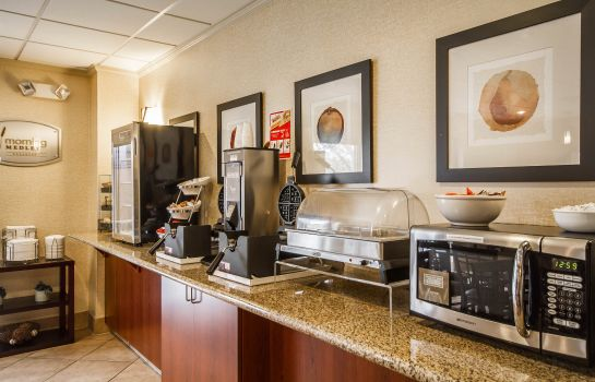 Restaurant Sleep Inn & Suites Airport