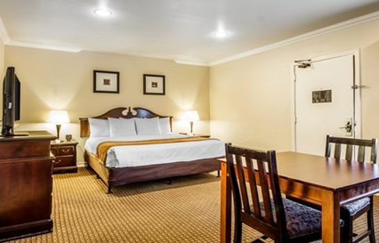 Suite Comfort Inn Monterey by the Sea