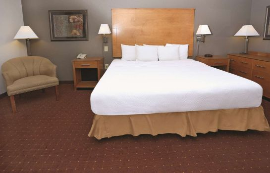 Suite La Quinta Inn Ste Norfolk Airport