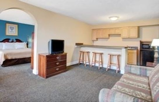 Suite SUPER 8 NORFOLK CHESAPEAKE BAY