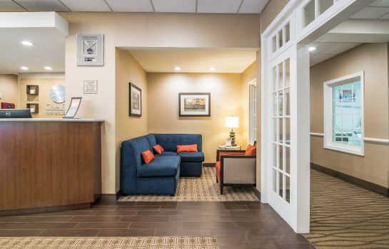 Hall Comfort Inn and Suites