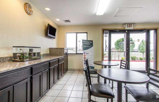 Restaurant RODEWAY INN AND SUITES OKLAHOMA CITY I-4