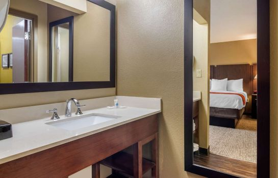 Suite Comfort Inn and Suites Perry