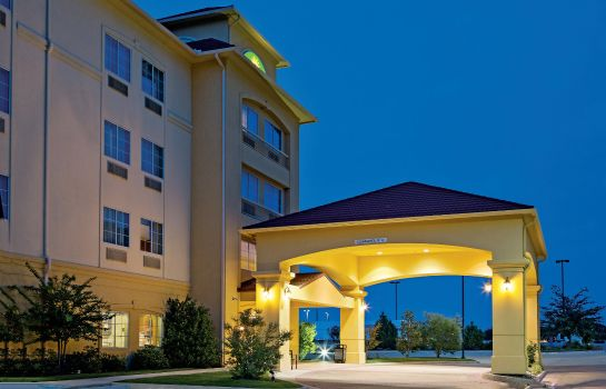 Vista exterior La Quinta Inn Ste Ft Worth NE Mall