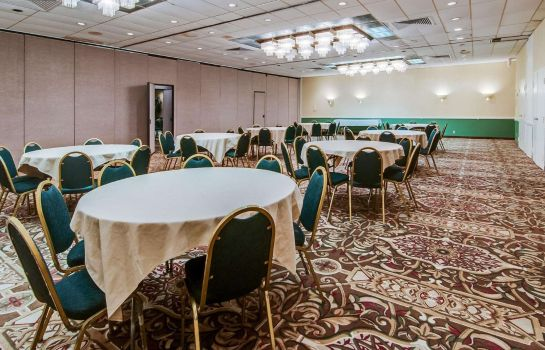 Conference room Quality Inn Roanoke Airport