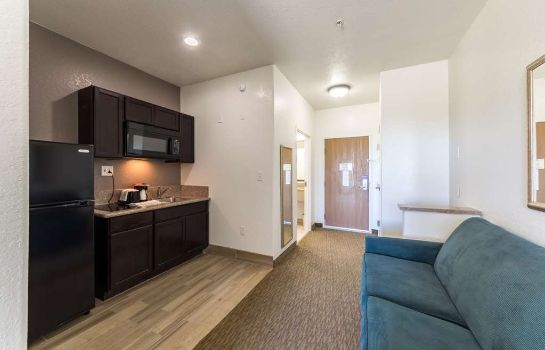 Zimmer Comfort Inn & Suites Near the AT&T Center