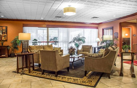Hol hotelowy Clarion Inn & Suites Fairgrounds