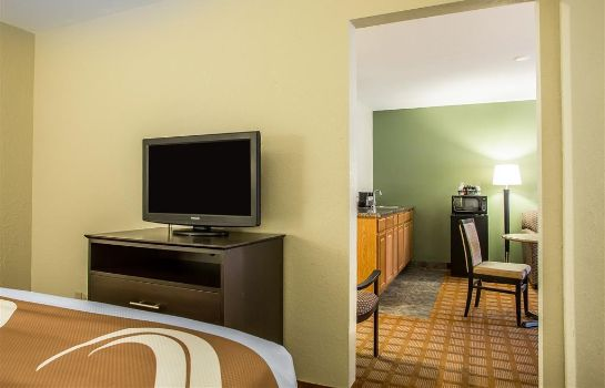 Suite Quality Inn and Suites Marinette