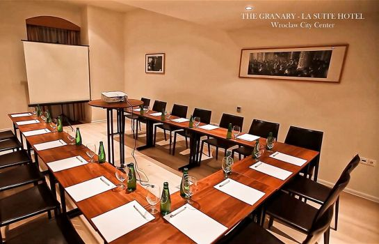 Sala konferencyjna The Granary La Suite Hotel
