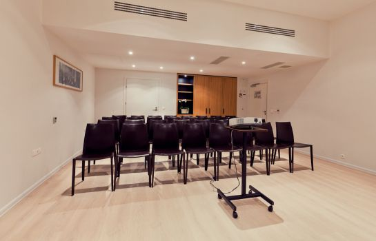 Conference room The Granary La Suite Hotel