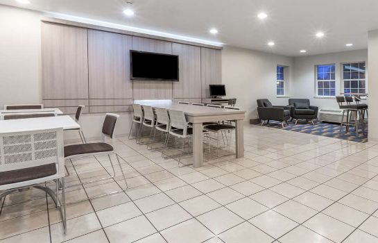Conference room MICROTEL INN & SUITES BY WYNDH