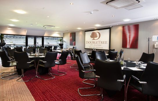 Conference room Doubletree by Hilton Milton Keynes