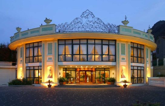Exterior view La Pace Grand Hotel