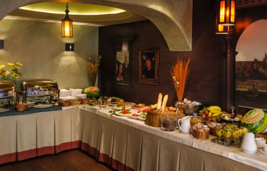 Buffet prima colazione Holland House Residence Old Town