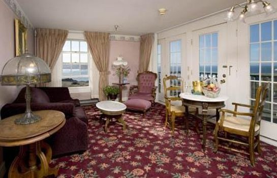 Suite Mendocino Hotel and Garden Suites