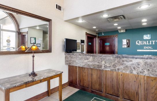 Lobby Quality Inn Siloam Springs West