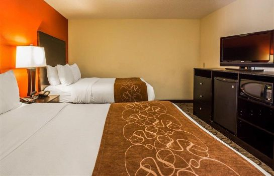 Room Comfort Suites At WestGate Mall