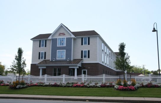 Außenansicht Hampton Inn - Suites Cape Cod-West Yarmouth
