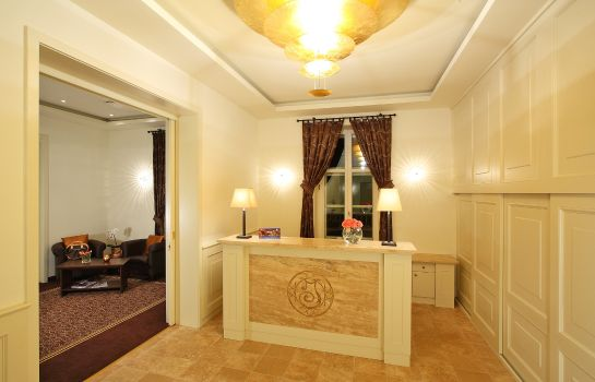 Empfang Ipoly Residence Executive Hotel Suites