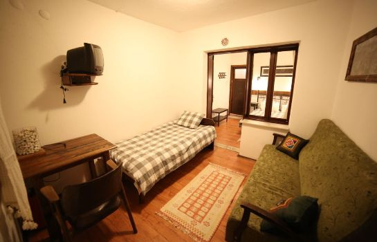 Triple room Akropolis Guest House