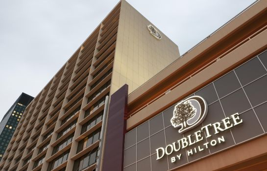 Buitenaanzicht DoubleTree by Hilton Cleveland Downtown - Lakeside