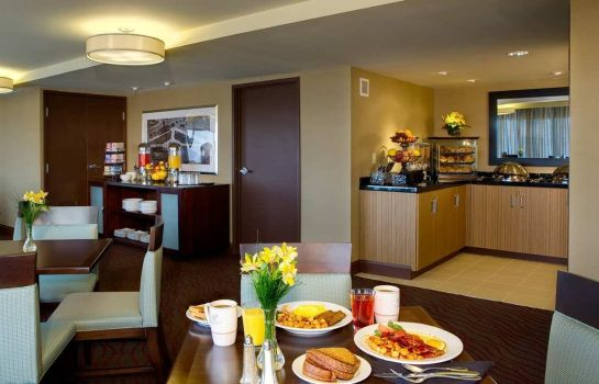 Hotelbar DoubleTree by Hilton Cleveland Downtown - Lakeside