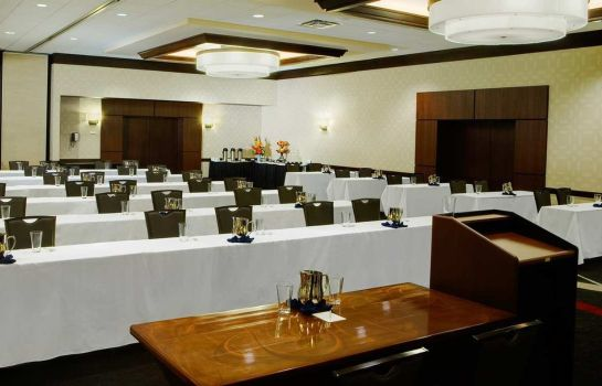 Conference room DoubleTree by Hilton Cleveland Downtown - Lakeside