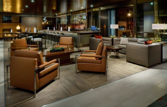 Hotel bar SpringHill Suites Chicago Downtown/River North
