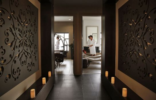 Massage room Chateau Elan
