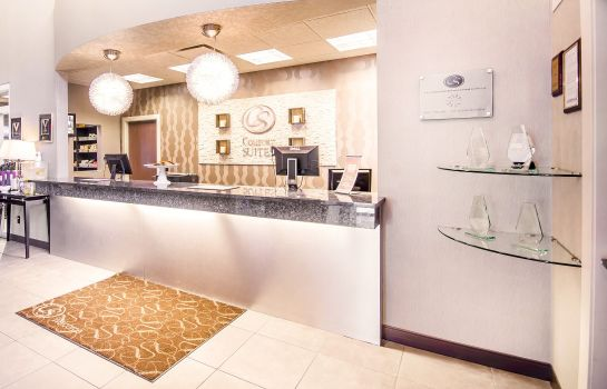Hall Comfort Suites Kelowna