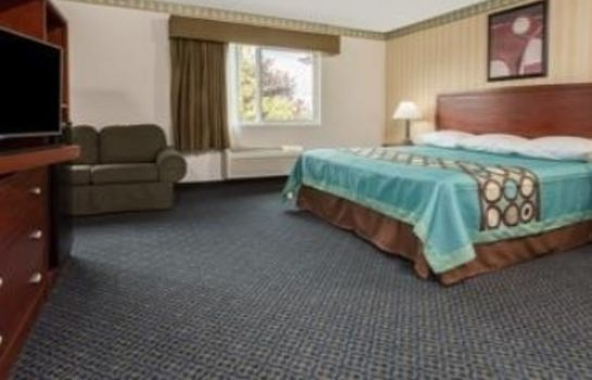 Suite Super 8 by Wyndham Sacramento North