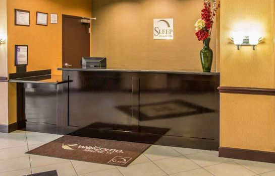 Hotelhalle Sleep Inn & Suites University