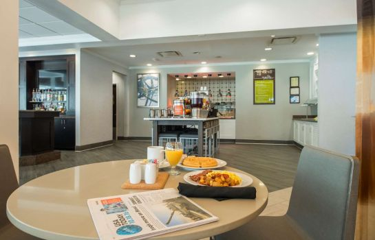 Restaurant Hilton Garden Inn Atlanta Airport North