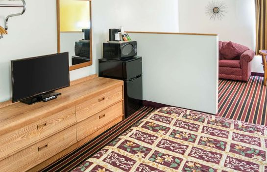 Suite RODEWAY INN AND SUITES AUSTIN
