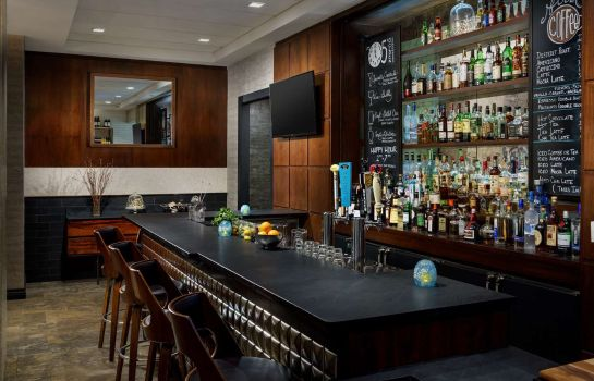 Bar hotelowy Distrikt Hotel New York City Tapestry Collection by Hilton