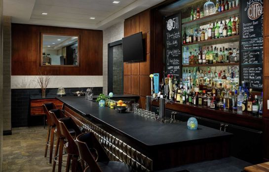Hotel bar Distrikt Hotel New York City Tapestry Collection by Hilton