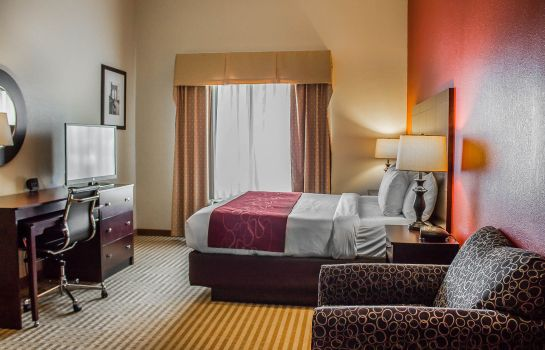 Room Comfort Suites East Broad at 270