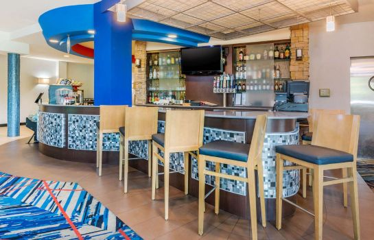 Hotel bar Cambria Hotel Ft Lauderdale Airport