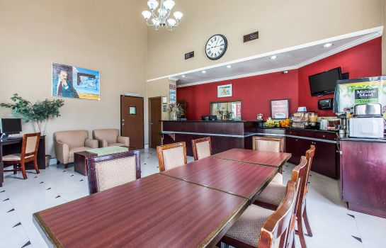 Ristorante Econo Lodge Inn & Suites Fallbrook Downtown