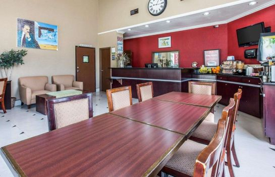 Restauracja Econo Lodge Inn & Suites Fallbrook Downtown