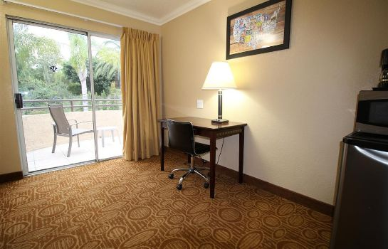 Suite Econo Lodge Inn and Suites Fallbrook Dow Econo Lodge Inn and Suites Fallbrook Dow
