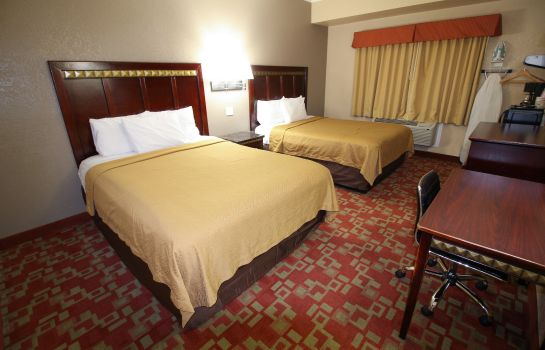 Kamers Econo Lodge Inn and Suites Fallbrook Dow