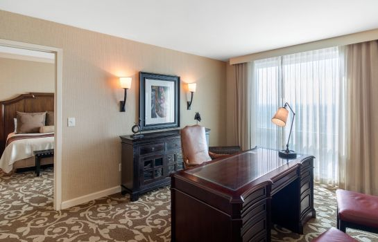 Suite Omni Fort Worth Hotel