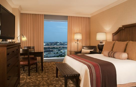Zimmer Omni Fort Worth Hotel