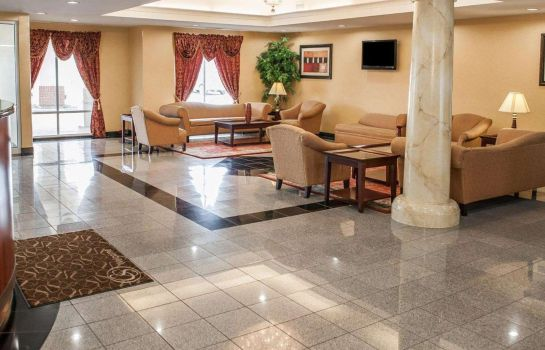 Lobby Comfort Suites Indianapolis