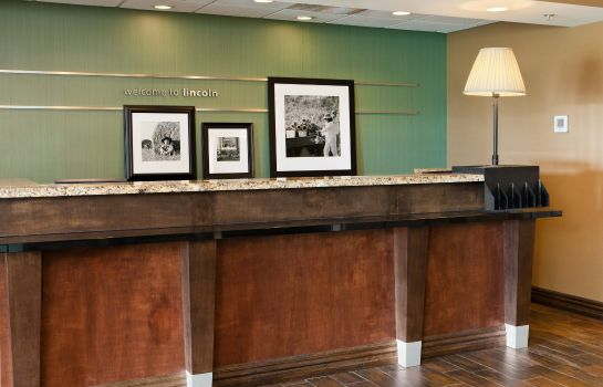 Hotelhalle Hampton Inn - Suites Lincoln - Northeast I-80