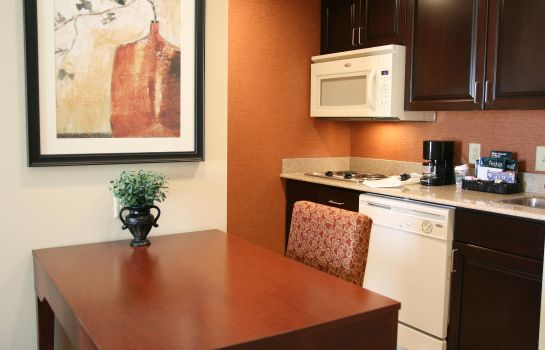 Hotel-Bar Homewood Suites by Hilton Macon-North
