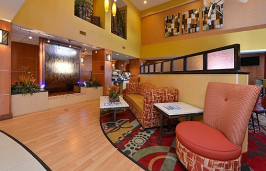 Restaurant Comfort Suites Panama City