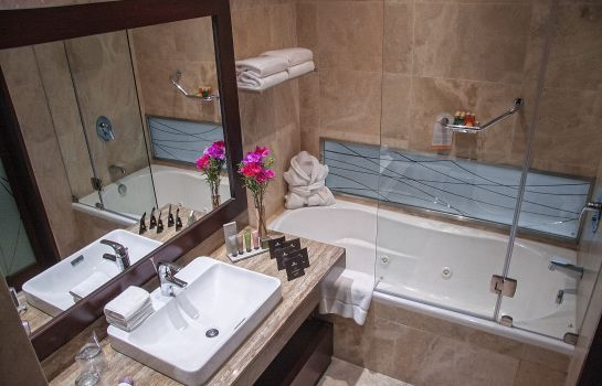 Bathroom Manto Hotel Lima - MGallery Hotel Collection